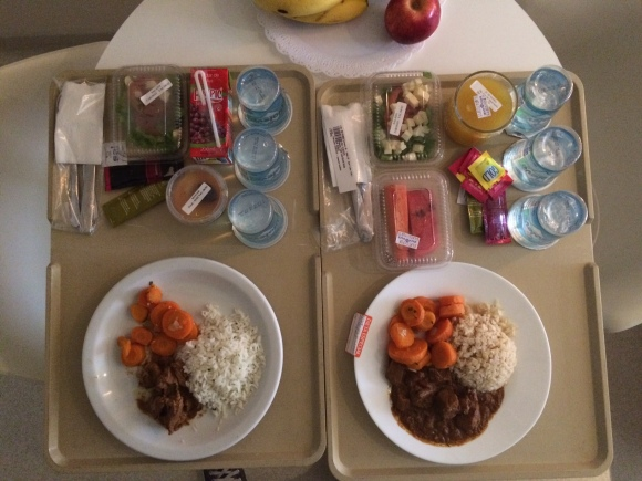 Você diria que é refeição de um hospital ou praça de alimentação?